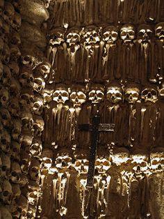 Alto Alentejo - Évora - Capela dos ossos - Autor: Panis Nostrum