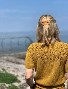 Sommer Ella Solo pattern by Lene Holme Samsøe Sweater Knitting Patterns, Lace Knitting, Knitting Stitches, Knit Patterns, Knit Crochet, Ravelry, Yarn Inspiration, Summer Knitting, Mode Vintage