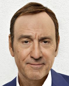 gesichtermix remixes some of the world's most famous faces into hybrid celebrity portraits.