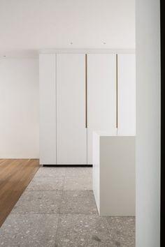 terrazzo flooring AA - Flooring Ideas by Atelier Armbruster - Dwell Terrazzo Flooring, Kitchen Flooring, Ideas Armario, Door Fittings, Minimal Kitchen, Apartment Interior, Cabinet Design, Interior Design Kitchen, Interior Architecture