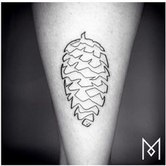 Berlin-based tattoo artist Mo Ganji specializes in one line tattoos. Using a continuous line he forms tattoos of animals, plants, and other shapes. Pinecone Tattoo, Acorn Tattoo, Pine Tattoo, Leaf Tattoos, One Line Tattoo, Single Line Tattoo, Small Tattoos, Tattoos For Guys, Cool Tattoos