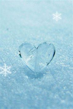 Heart of Ice Heart Of Ice, I Love Heart, Frozen Heart, Clear Heart, Baby Blue Aesthetic, Light Blue Aesthetic, Heart In Nature, Heart Art, Bleu Pastel