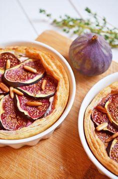 Frisch aus dem Ofen: Herbstrezept: Feigentarte mit Ziegenkäse und Thymian