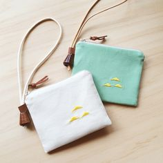 Beaver pull ◇ ◇ purse embroidery biscuit X mint green hills. (With lanyard) travel card storage card holder card package key cases and wallets picnic - 貍拉‧Lyla | Pinkoi