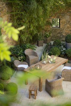 Ensemble mobilier de jardin - Table, tabouret et fauteuils Chester - Gamme Flore