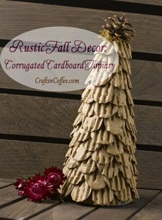 Do you add a few rustic touches to your fall décor? Crates, pallets, rusty tin, and natural elements Cardboard Christmas Tree, Handmade Christmas Tree, Elegant Christmas, Rustic Christmas, Christmas Diy, Christmas Trees, Beautiful Christmas, Rustic Fall Decor, Rustic Crafts