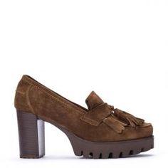 Zapato de suela gruesa PEDRO MIRALLES realizado en serraje color marrón