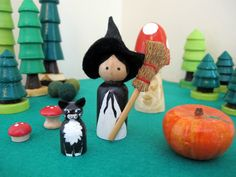 Check out this item in my Etsy shop https://www.etsy.com/uk/listing/387636168/witch-and-black-cat-peg-doll-pair
