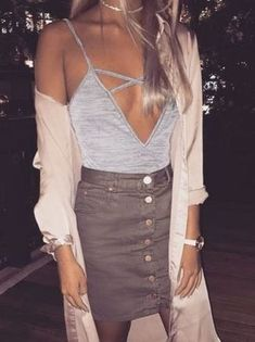 Awesome 46 Stylish Winter Outfits Ideas for Girls.Night Out. More at http://trendwear4you.com/2018/01/16/46-stylish-winter-outfits-ideas-girls-night/ #NightOutOutfits