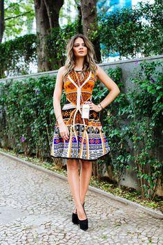 Thassia Naves look Skazi e sapatos Giuseppe Zanotti.