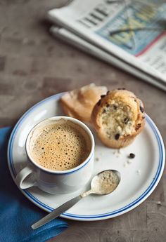 Coffee and chocolate chip muffin | Aisha Yusaf Photography