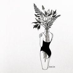 how fragile we are 우리는 얼마나 약한지 . . . #fragile #beautiful #figure #vase #꽃 #꽃병 #취급주의