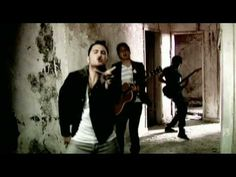 Cheesey video... but I just love this song!    Reik - De Que Sirve