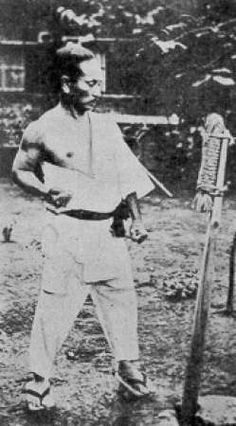 Gichin Funakoshi, the father of modern karate. He was the creator of shotokan karate. Isshinryu Karate, Shotokan Karate, Great Man Theory, Karate Styles, Bruce Lee Martial Arts, Martial Artists, Aikido, Judo, Muay Thai