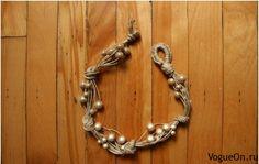 Pulseira de cordas, moderno e elegante, não exige um conhecimento complexo de macramé e tatting. Pode ser feito num tempo muito curto.