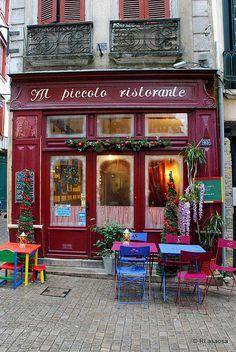 Bayonne (Francia): Il coloratissimo Al Piccolo Ristorante... dove il buonumore vien mangiando!