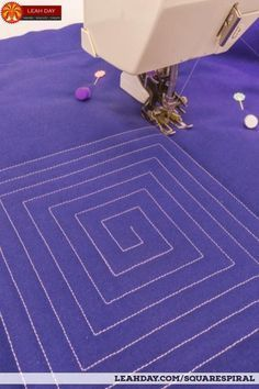 How to Quilt Square Spiral - Walking Foot Quilting Tutorial Machine Quilting Tutorial, Machine Quilting Patterns, Quilting Tips, Free Motion Quilting, Quilting Tutorials, Quilt Patterns, Stitching Patterns, Hand Quilting, Quilt Binding