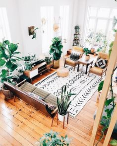 Bohemian living room can be created by doing some tricks. It is simple for you to find some references related to layout for your bohemian living space in your residence or your studio apartment. It is possible for you who… Continue Reading → Interior Design Living Room Warm, Living Room Designs, Sweet Home, Decoration Plante, Scandinavian Living, Scandinavian Interior, Natural Home Decor, Natural Living, Living Room Colors