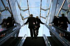 6 passos para mudar de carreira dentro da própria empresa: Trilhar uma nova trajetória profissional dentro da própria empresa pode ser uma boa opção de carreira, de acordo com especialistas; veja como conseguir conquistar isso.  http://exame.abril.com.br/carreira/noticias/6-passos-para-mudar-de-carreira-dentro-da-propria-empresa