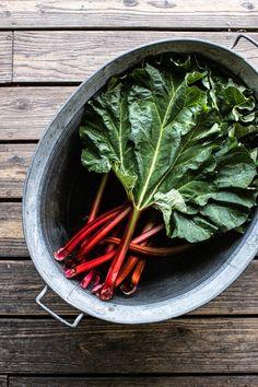Rhabarberkuchen mit Baiser - einfach und lecker! Foodblogger, Spinach, Carrots, Vegetables, Recipes, Rhubarb Recipes, Fast Recipes, Bakken