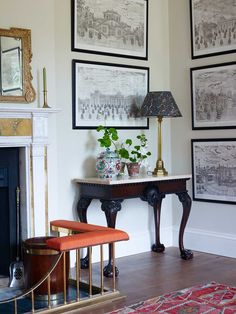 Wiltshire Manor House by Ben Pentreath - Katie Considers Arts And Crafts Interiors, Arts And Crafts House, Home Crafts, Ben Pentreath, English Country Decor, French Country, Edwardian House, Victorian Cottage, Long House