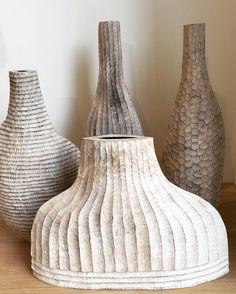 Lighter shades of Martin &Gaynor Dowling beautiful sculptural vessels in wood Ceramic Pots, Ceramic Flowers, Ceramic Clay, Clay Pots, Ceramic Pottery, Pottery Art, Grand Bol, Art Decor, Decoration