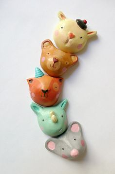 Mau mau Cat - Brooch - modelling paste $26