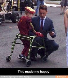 Good guy Robert Downey Jr / iFunny :)