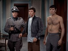 For mom to show bret best Star Trek episode ever! Spock and Kirk time travle tohelp defeat the nazi army in WWII Best Star Trek Episodes, Star Trek Jokes, Spock And Kirk, Star Wars, Star Trek Original, Starship Enterprise, Cinema, Star Trek Universe, Thing 1