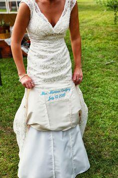 A super cute something blue idea! | http://www.weddingpartyapp.com/blog/2014/10/23/5-easiest-diy-wedding-ideas/