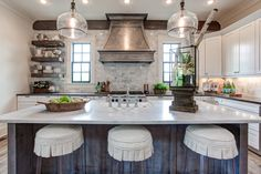 Looking for the best house plans? Check out the Elberton Way plan from Southern Living. Country Kitchen Flooring, Country Dining Rooms, Country Farmhouse Decor, Country Furniture, Farmhouse Décor, Best House Plans, Country Style Homes, Southern Living, Home Decor Styles