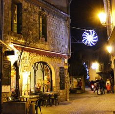 There's nowhere quite like Provence at Christmas, take a perfect Provence Christmas tour