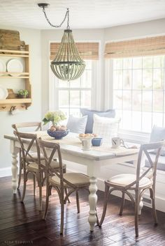 7 Elements of New England Style | Read how the elements of the different regions of New England influence decor and architecture in a Massachusetts home. #newengland #farmhouse #diningroom #homedecor