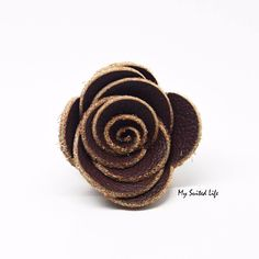 Chocolate Brown, Rosette