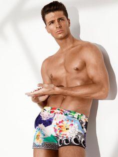 Versace Beachwear man look Edward Wilding, Versace Underwear, New Underwear, Versace Men, Gianni Versace, Man Look, Donatella Versace, Glamour, Poses