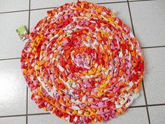 Wohnaccessoires - Teppich in pink-orange - ein Designerstück von sternenhexe166 bei DaWanda