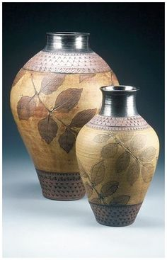 i knew Suzanne Crane in high school. Her ceramics are extraordinary. Pottery Painting, Pottery Vase, Ceramic Pottery, Painted Pottery, Vintage Pottery, Handmade Pottery, Clay Vase, Pottery Techniques, Pottery Designs