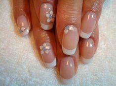 White French manicure: cute bridal nail art