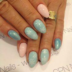 Lakiery hybrydowe SPN UV LaQ Scarlet Leather, Pastel Mint, Bright Mermaid. Nails by: Magda, Madeleine Studio SPN Master Team  #spnnails #inspiracje #paznokcie #winternails
