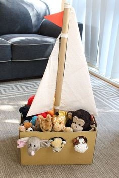 - from The Craft Train Recreate Noah's ark from a cardnboard box using your own stuffed animals from the toy box to fill it. This is a fun pretend play idea for preschoolers! Adorable Noah's Ark toy made from a simple cardboard box Kids Crafts, Bible Crafts, Summer Crafts, Craft Activities, Toddler Activities, Carton Diy, Diy Karton, Cardboard Toys, Cardboard Crafts Kids