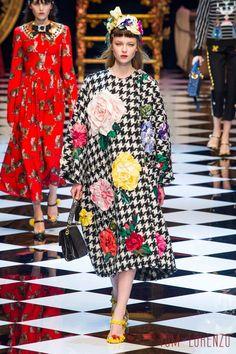 Dolce-Gabbana-Fall-2016-Collection-Milan-Fashion-Week-Tom-Lorenzo-Site (8)