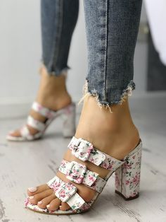 Heels Outfits, Sandals Outfit, Dressy Sandals, Floral Sandals, Fancy Shoes, Pretty Shoes, Chunky Heels Outfit, Sock Shoes, Shoe Boots