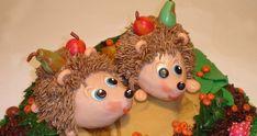 Příprava dortu v podobě ježků je natolik jednoduchá, že ji podle našeho fotonávodu zvládne i úplný cukrářský začátečník