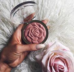 baddiosa:  DIOSA  @c0smeticated makeup blog