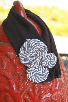 Makhappi.etsy.com   3 Makenzi flowers on a thick black band!! Check out all Mak Happi designs! Over 10 different styles of flowers and 10 different types of bands! Over 30 fabrics to choose from! Also girls shirts and baby onesies! www.facebook.com/makhappi or makhappi.blogspot.com #Headbands #babies #Littlegirls #Teens & #Womens #accessories #flowers #photoprops #gifts