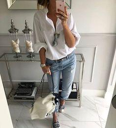 Jeans, white blouse, espradilles