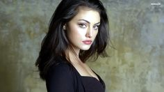 Phoebe Tonkin has the right coloring and overall look to be Serena Quinn, the heroine of Falling Dark, Dead of Night, and Rising Dawn (The Watchers series).