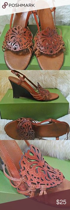 "Authentic leather laser-cut wedges . Made in Brazil. Absolutely gorgeous laser-cut, Brown Leather & Wood Strappy 3.25"" Wedge Heels EUC US Sz 9 *PRICE FIRM!*  •DETAILS:  *Stylish & Sturdy!  *Gorgeous Retro Design! *•MATERIAL: Leather  Upper & Lining **Smoke-Free Home!** connie Shoes Wedges"