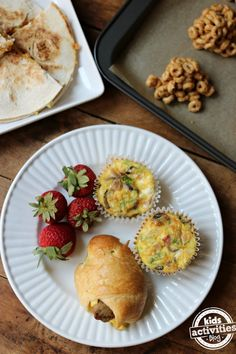 Looking for something new for a back-to-school breakfast? These 5 Back to School Easy Breakfast Ideas are perfect for the start of school.