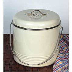 odourless composting pail. Want this!